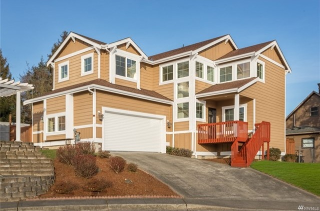 <p><strong>14415 48th Place S, Tukwila</strong>Sold for $462,000, Represented Seller</p>
