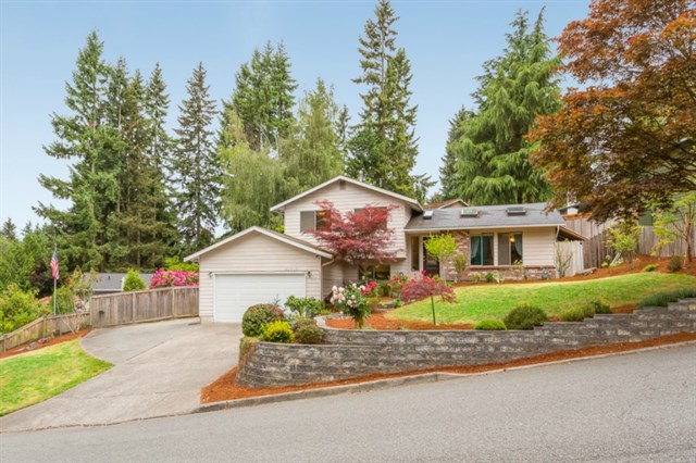 <p><strong>21910 Meridian Ave S, Bothell</strong>Sold for $429,000, Represented Seller</p>