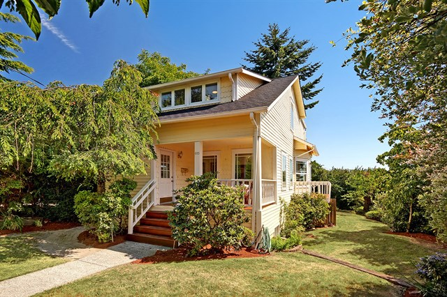 <p><strong>615 NE 77th, Seattle</strong>Sold for $610,000, Represented Buyer</p>