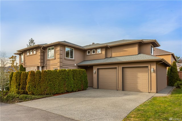 <p><strong>6218 167th Ave SE, Bellevue</strong>Sold for $1,339,660, Represented Seller & Buyer</p>