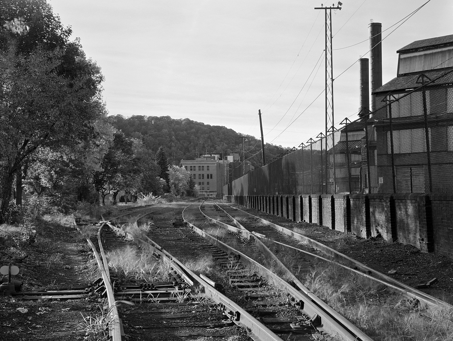 View of trackage along Washington Street looking Northwest. Note the Gautier Works to the right. From  from the track layout this appeared to be an interchange area with B&O S&C Branch and the C&BL.