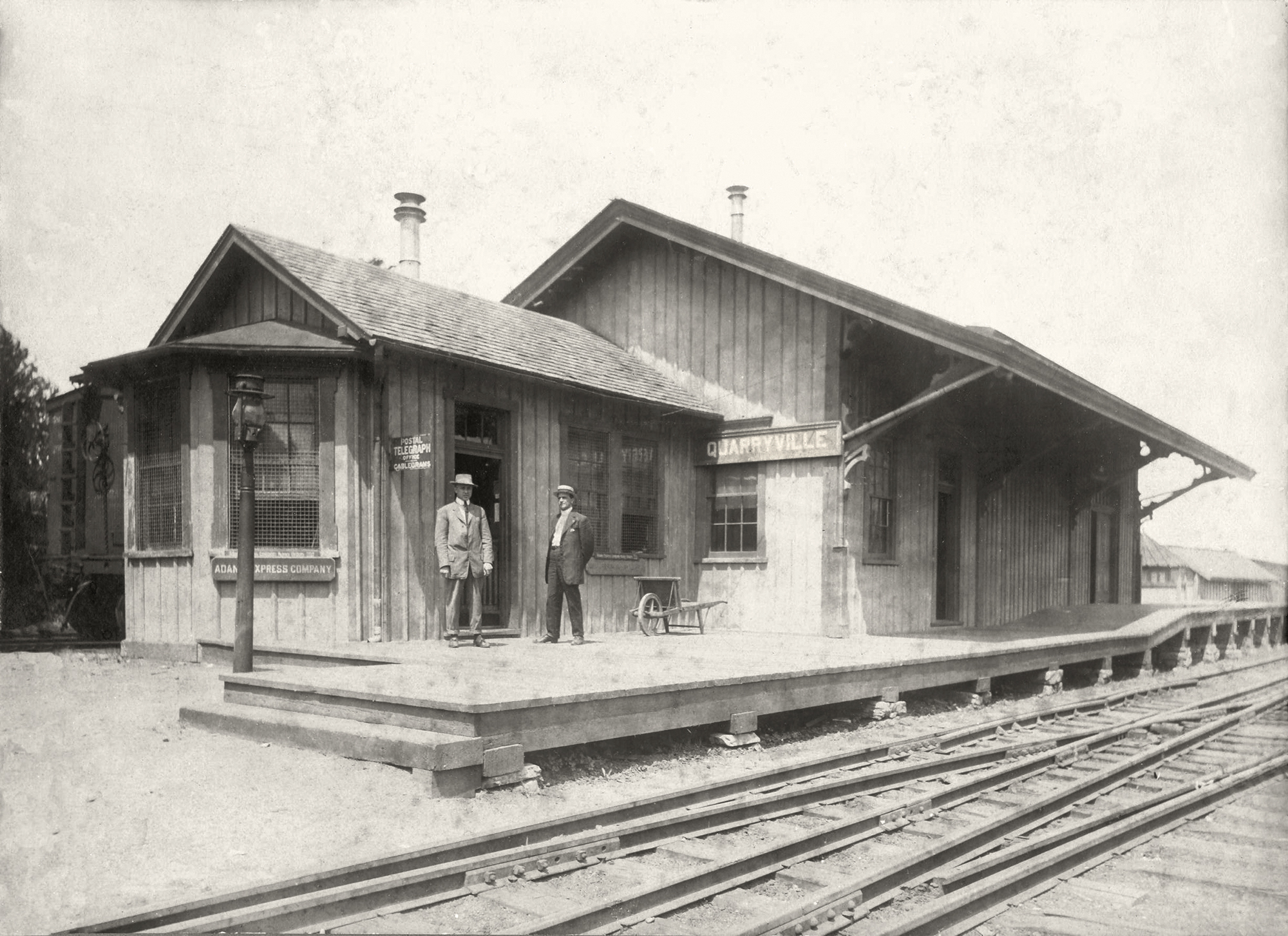 Quarryville Station, view before the Lancaster Oxford & Southern abandonment in 1917. Note the dual gauge trackage in the foreground, an area shared by the LO&S and the PRR. Image Walter G. Minnich Jr. collection, Southern Lancaster County Historical Society