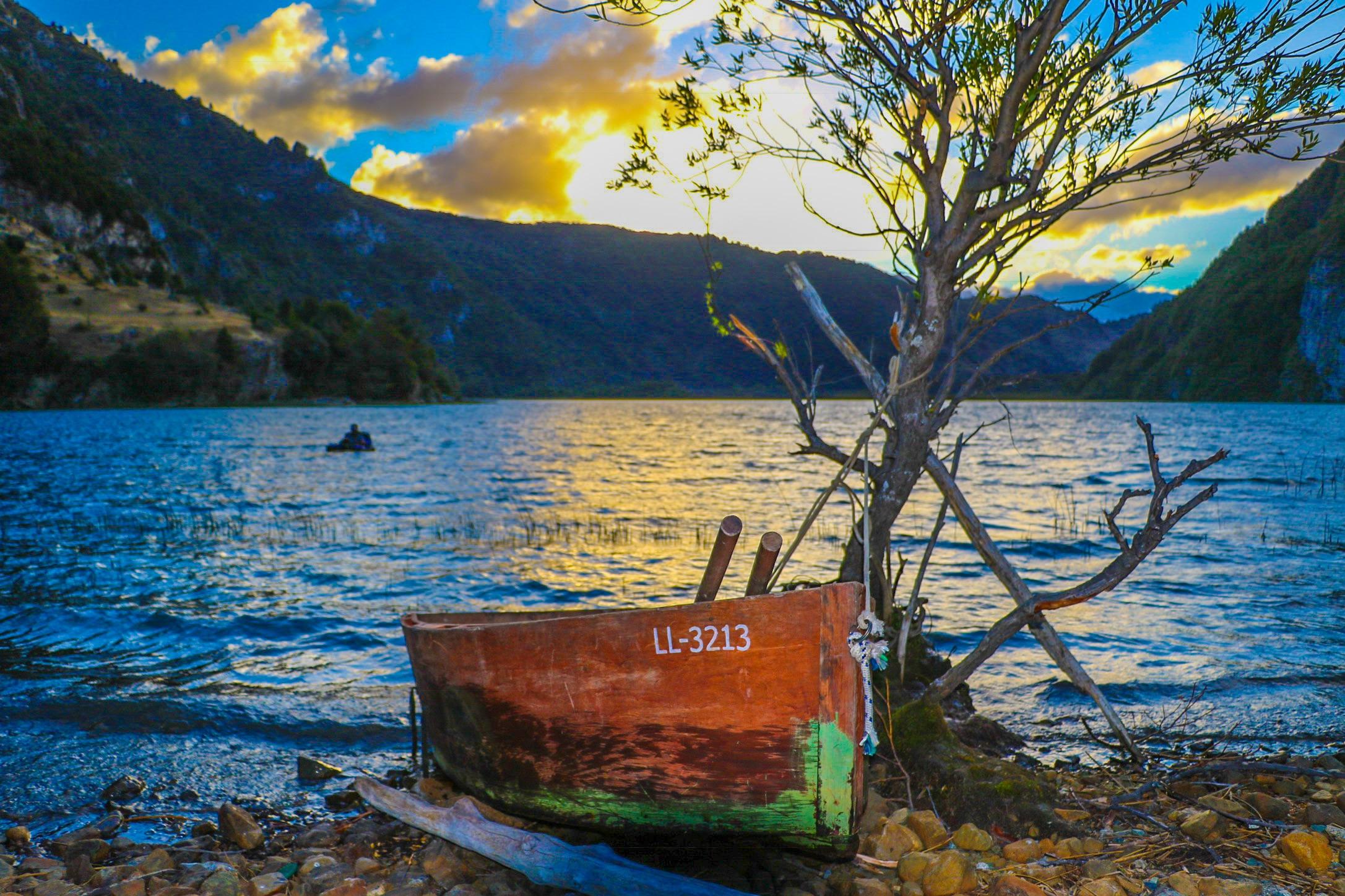 Little boat Lago las Rosa