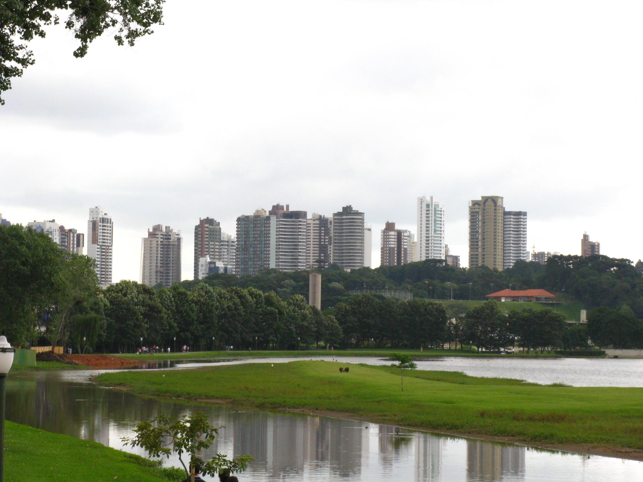 Curitiba_From_Barigui_Park.jpg