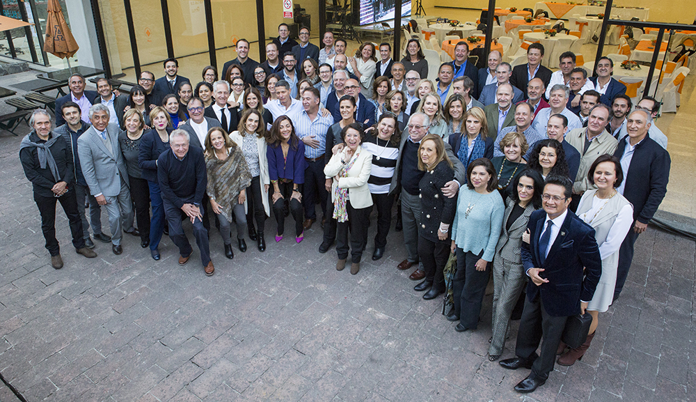 Escuela-Arquitectura-celebra-50-aniversario-con-comida-para-egresados.jpg