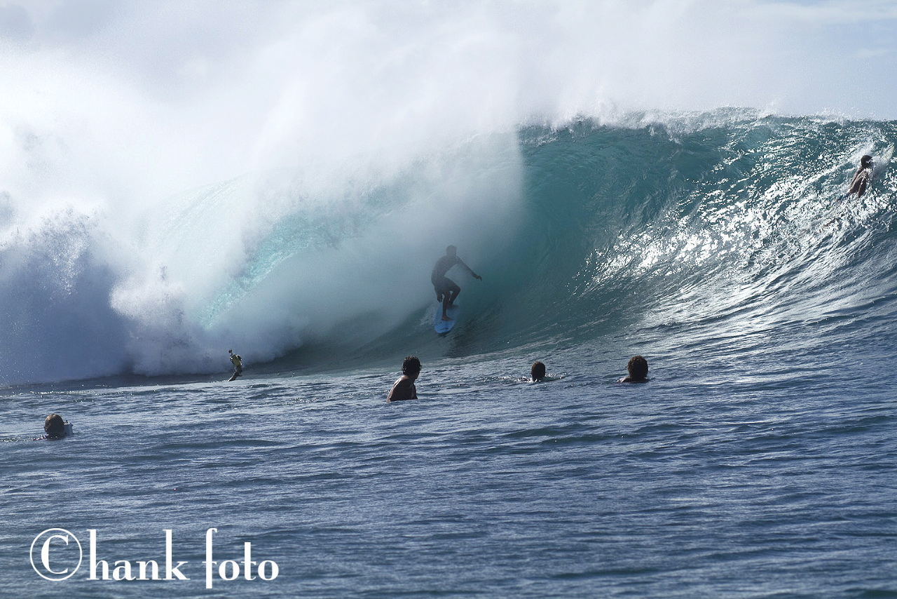 DEREK HO_PIPELINE_h2o_HAWAII__©HANK FOTO_2 copy[1].jpg
