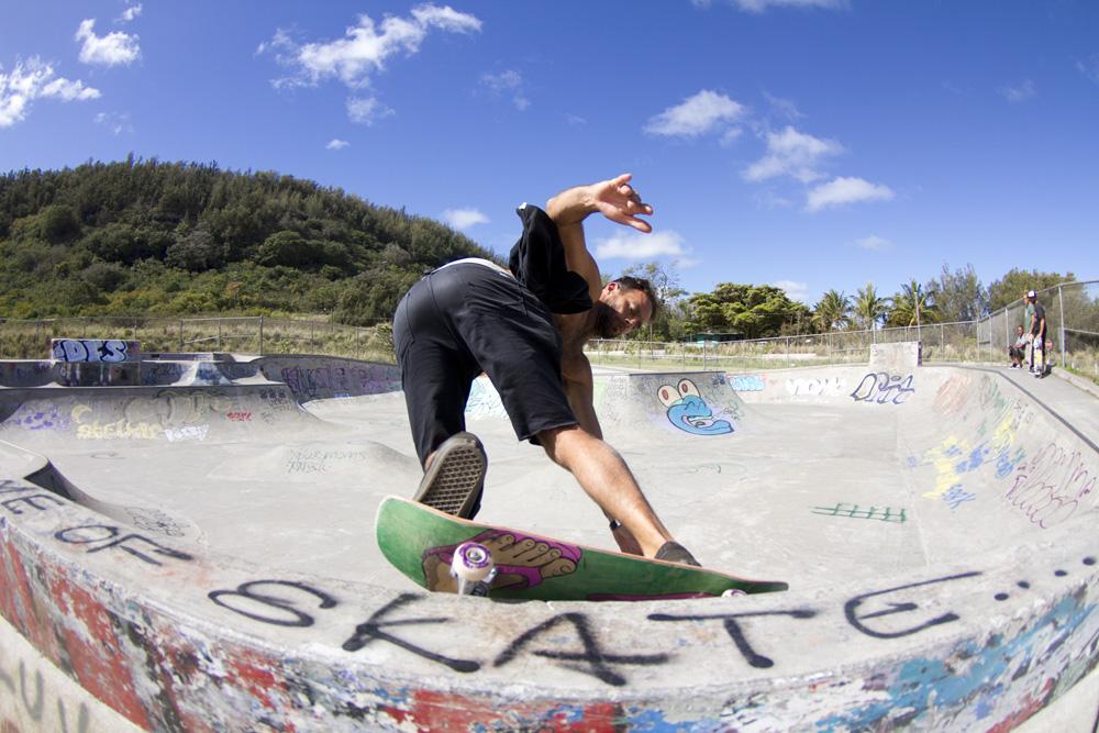 nathan skate HAWAII.jpg