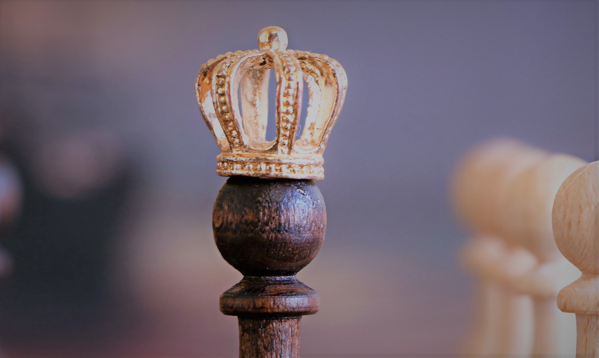 The crown is not that heavy