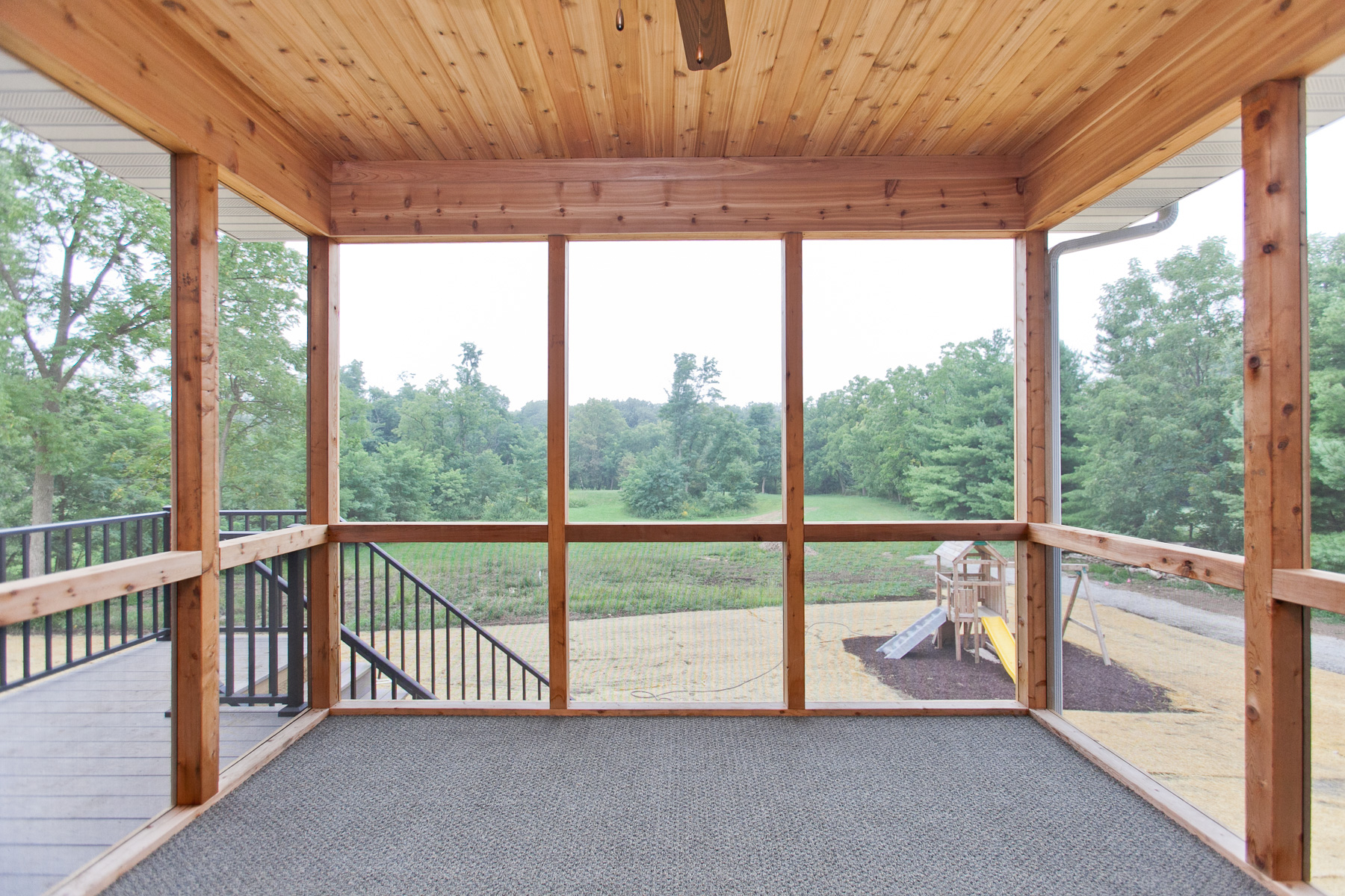 3525 RR Screened Porch.jpg