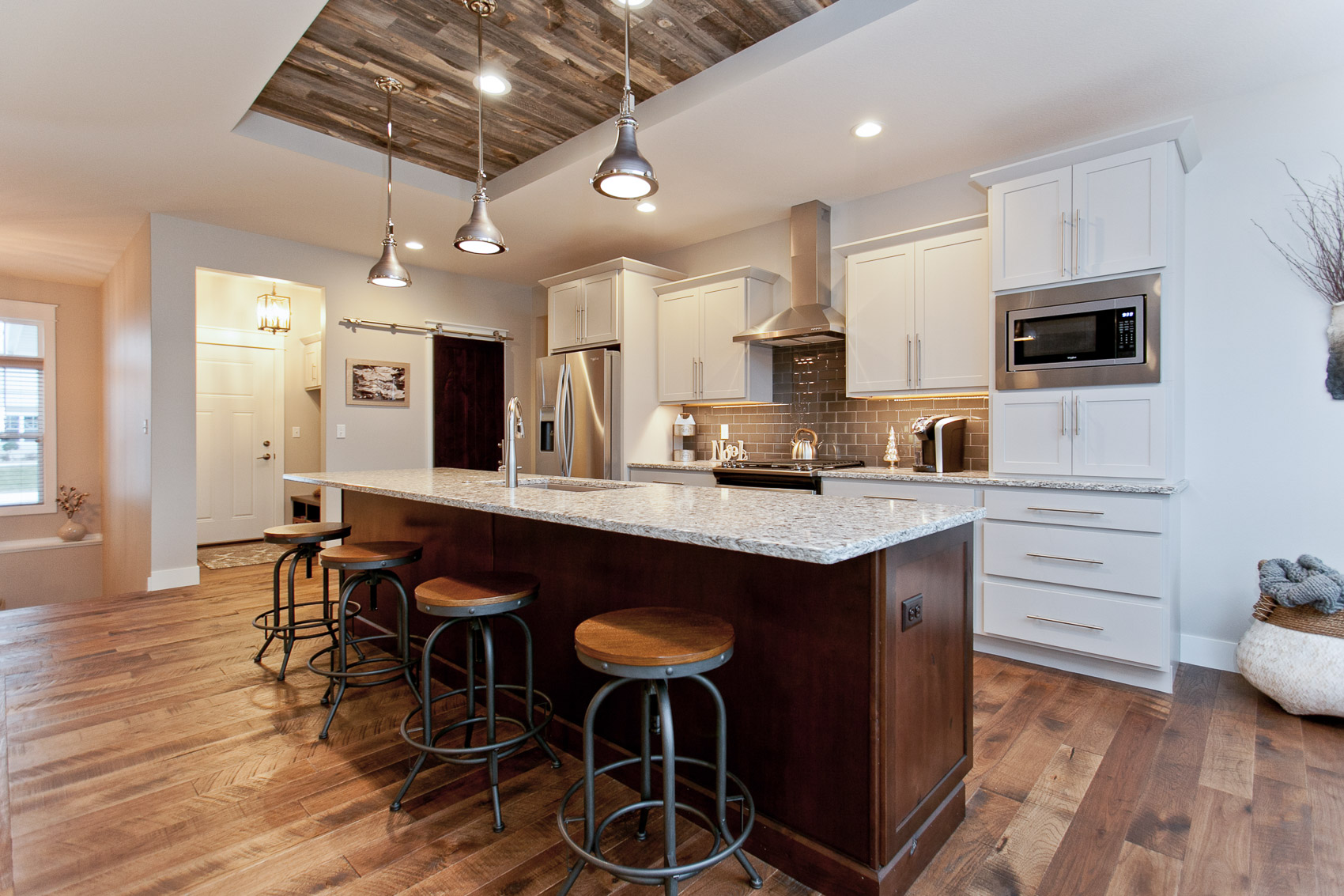 2935 DBR Kitchen 2.jpg