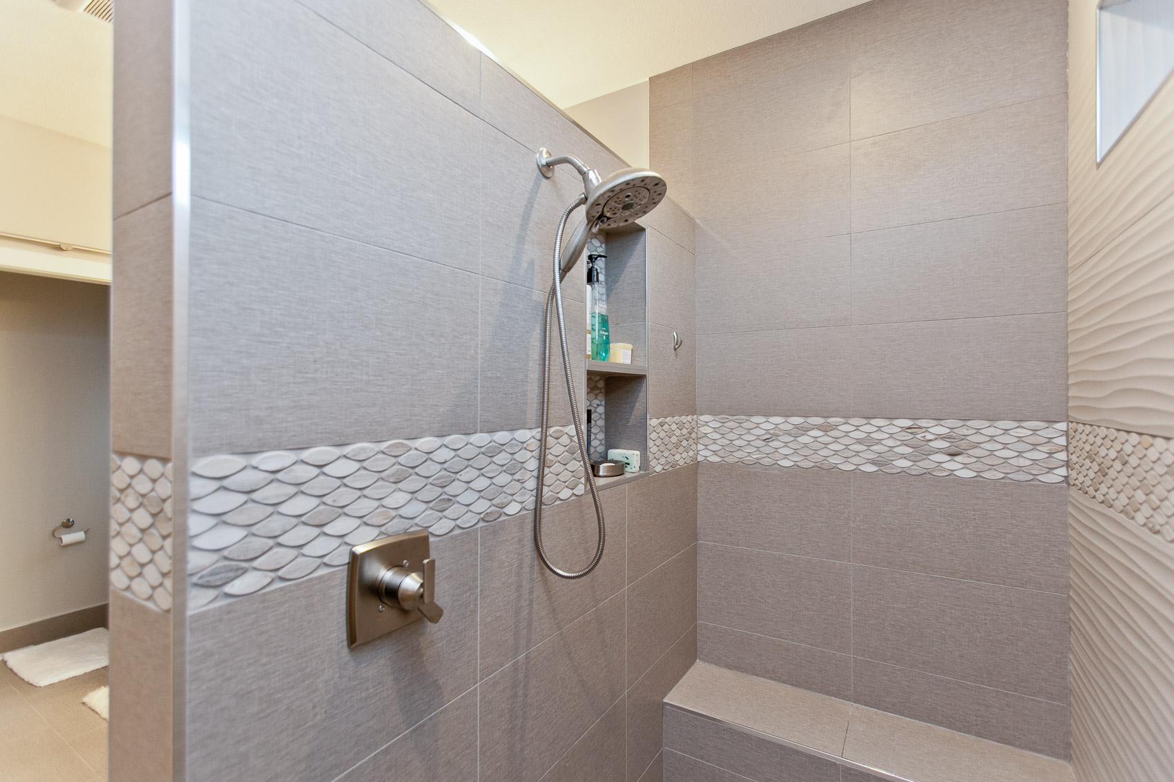 2935 DBR Master Shower.jpg