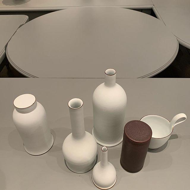 #heidemuseumofmodernart #kirstencoelho #johnwardlearchitects (they did the perfectly suited melange of found kitchen tables plinth) #anideaneedingtobemade