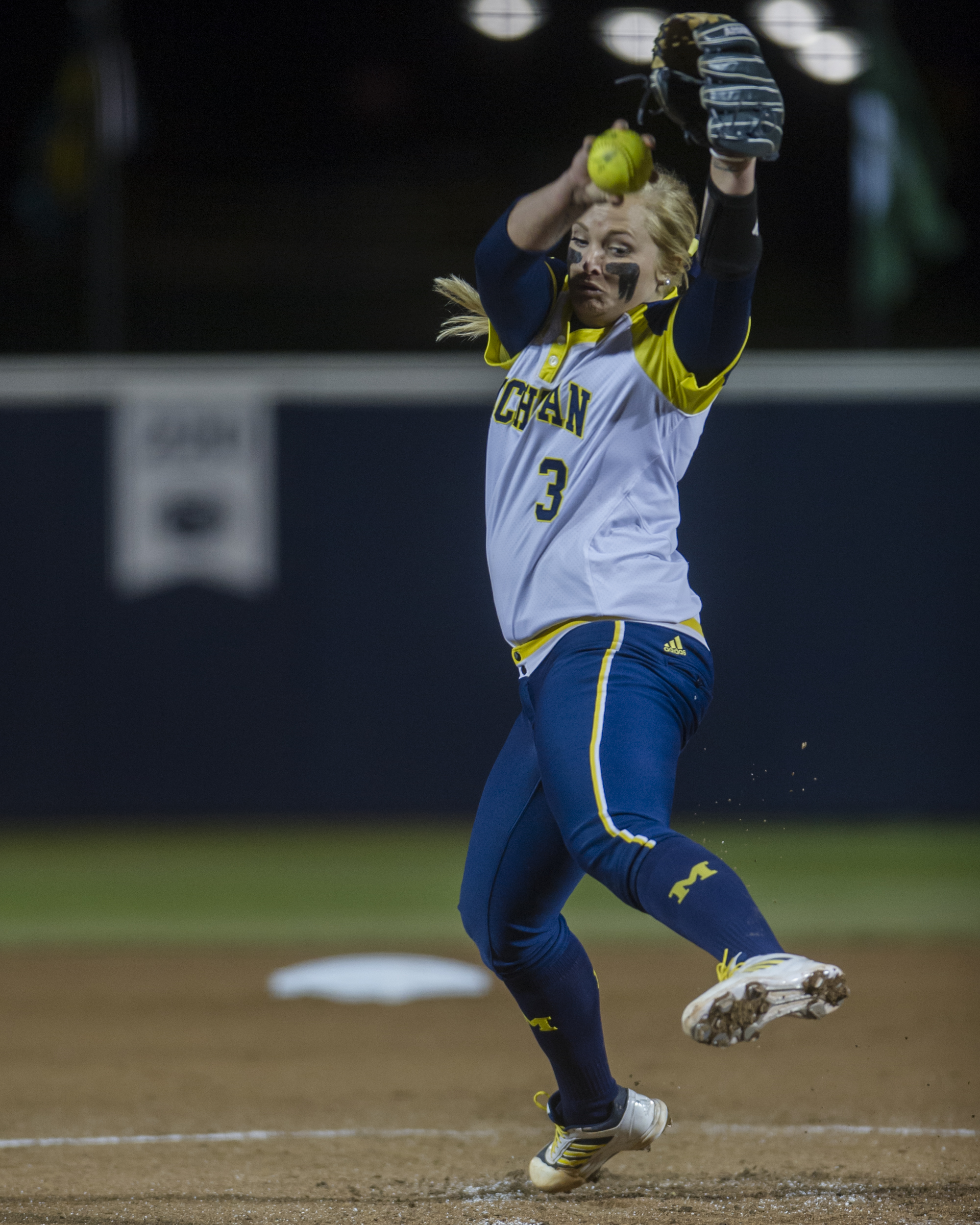Michigan pitcher Megan Batsa winds up to send a pitch to home plate during the final game of the Big Ten Tournament against Minnesota at Beard Field on Saturday, May 14, 2016.