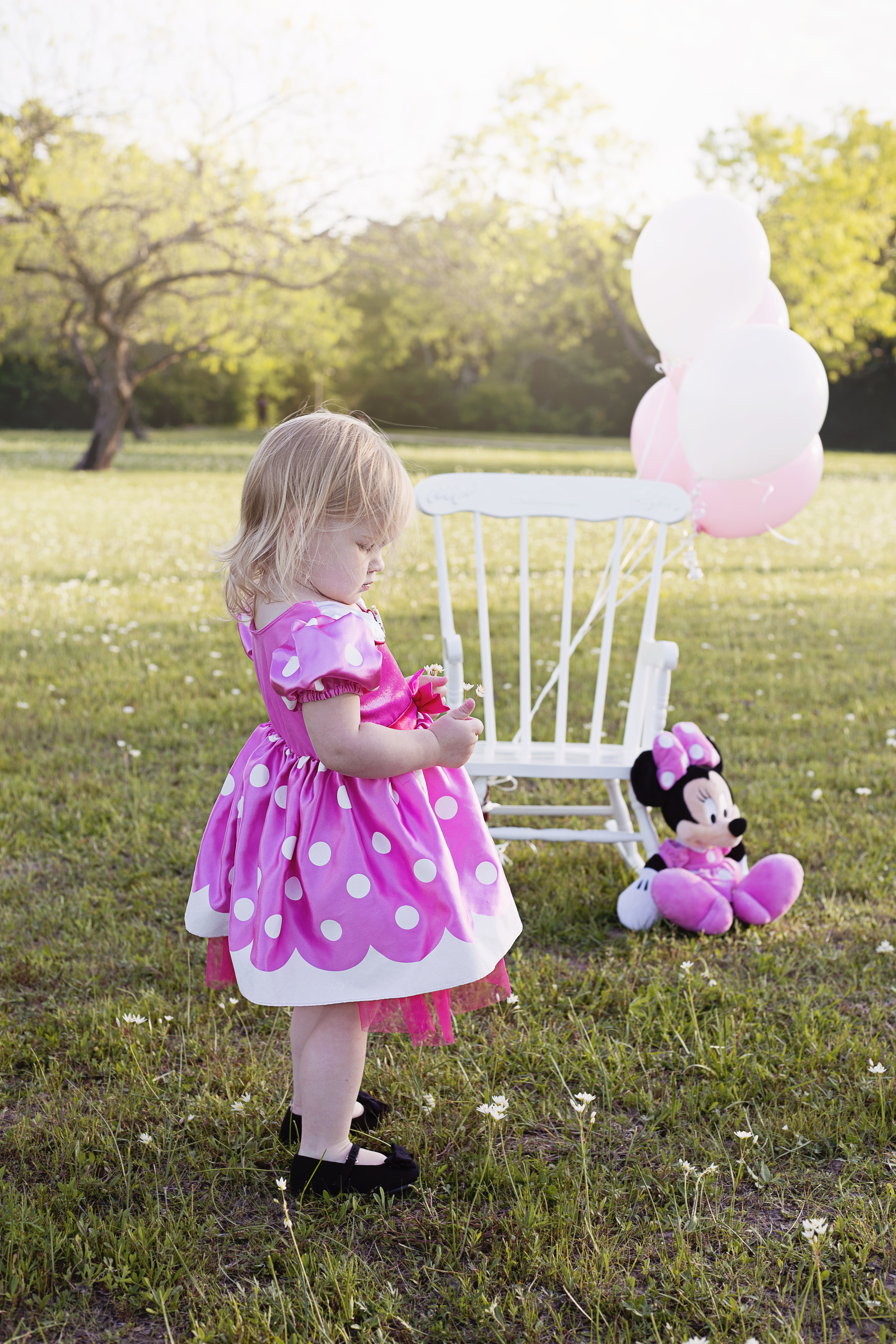 I adore this little girl and her pink dress!
