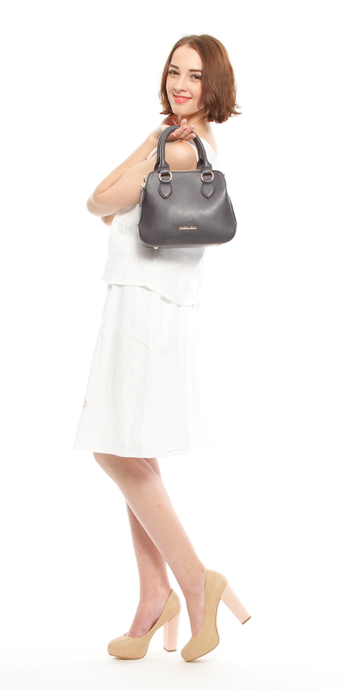 Lilian: FREE/NVY¥12,490  Tops of setup: FREE/BLU¥5,990  Skirt of setup: FREE /BLU ¥6,990