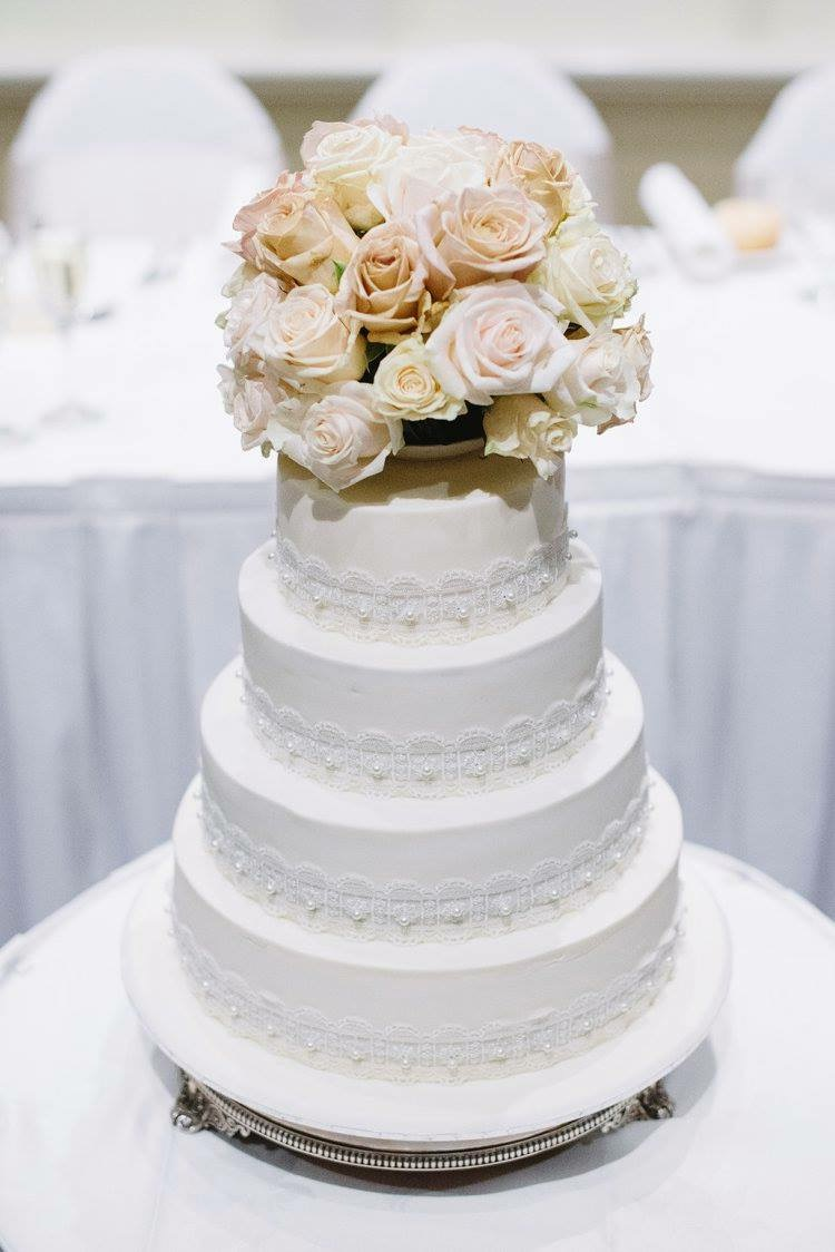 Vintage Lace Wedding Cake 4 tiers