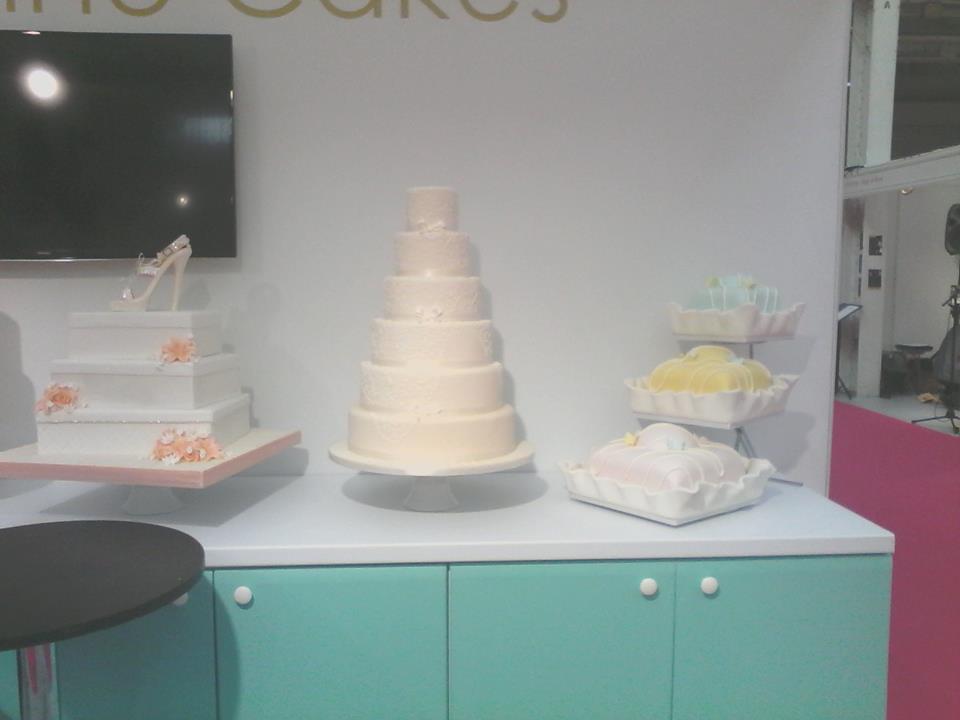 Beautiful cakes bywww.genuinecakes.co.uk