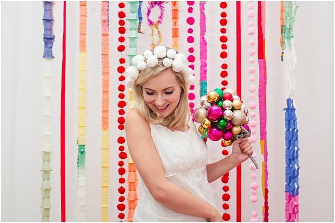 1960s-kitsch-Vintage-Christmas-bridal-Inspiration_0014.jpg