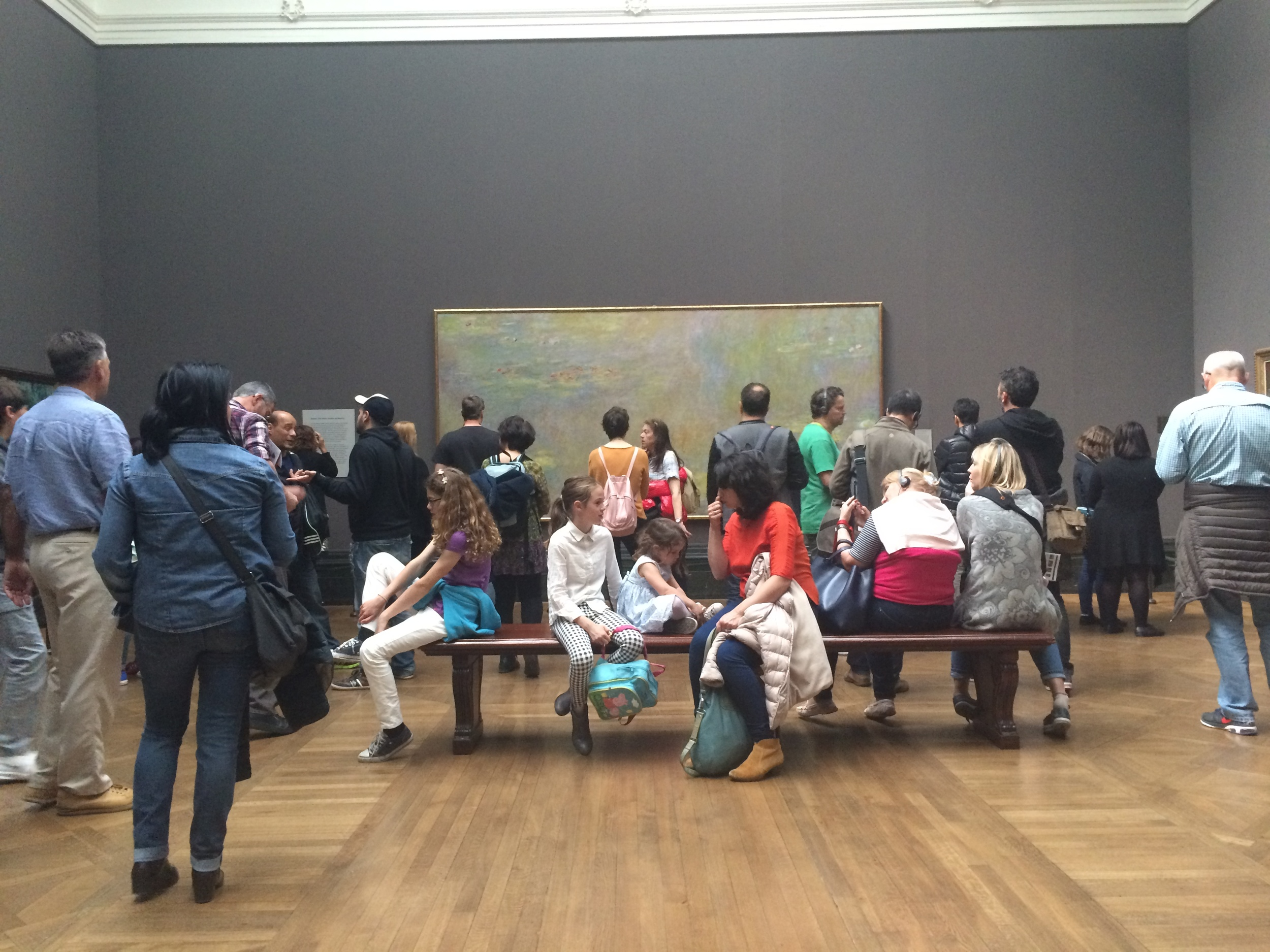 bezoekers in National Gallery London - Museumpodcast