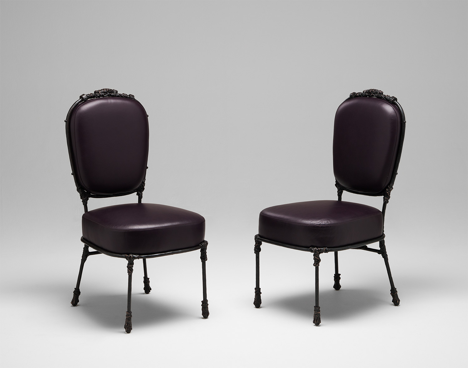 3. MB Chair 'Congo' Aubergine.jpg