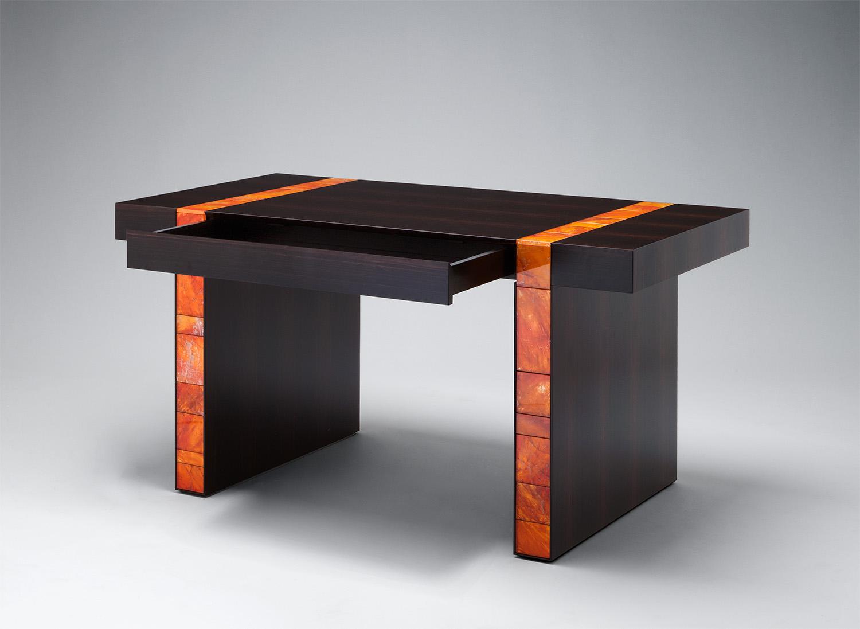 2. MB Desk 'Descartes'.jpg