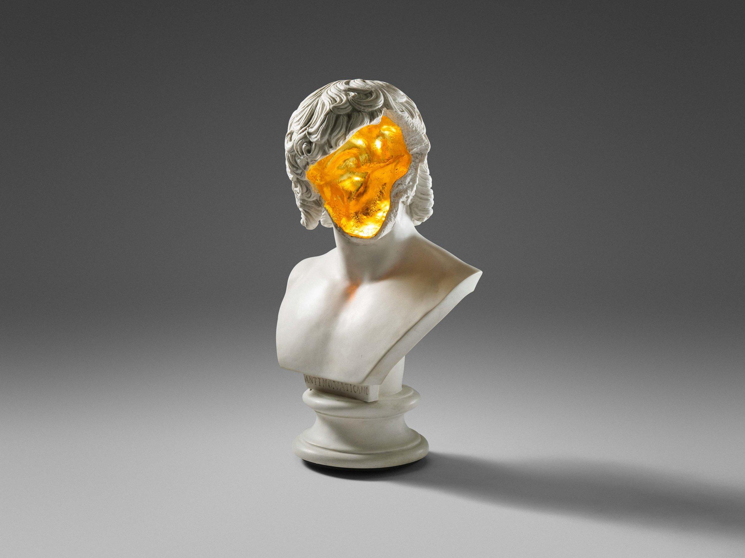 1. SE Table Lamp 'Bust'.jpg