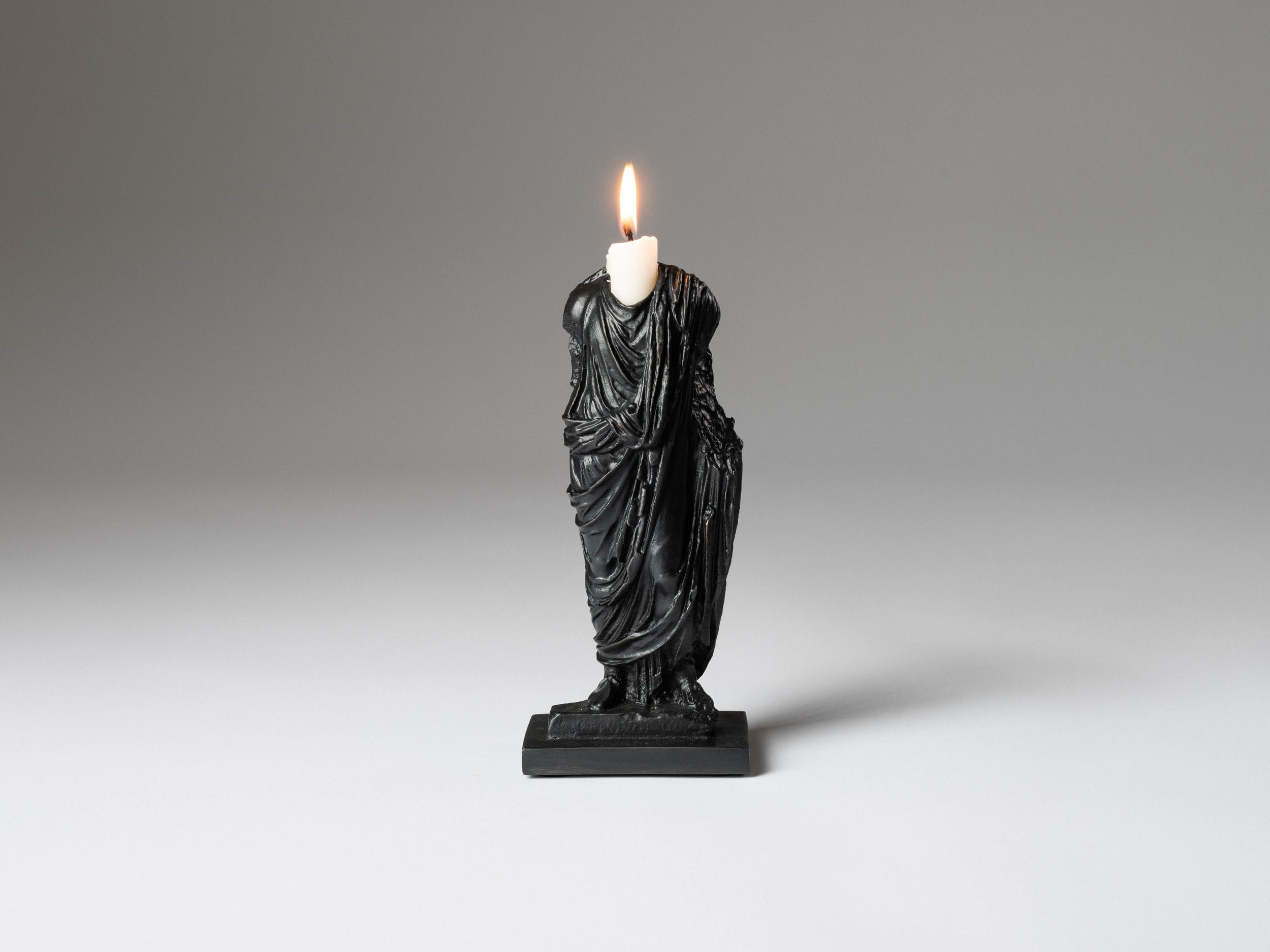 17. SE Candlestick 'Togado' black.jpg