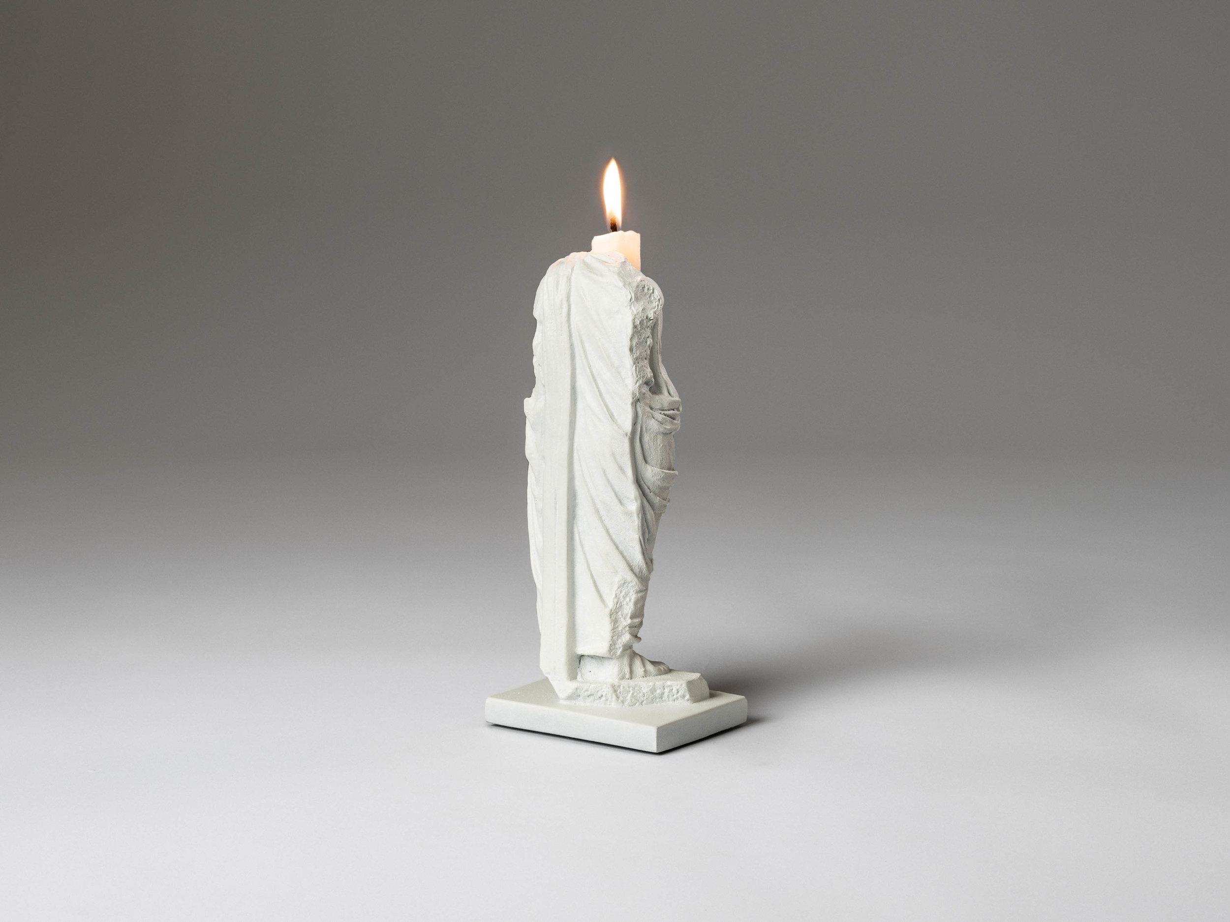 24. SE Candlestick 'Togado' white.jpg