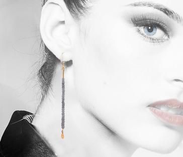 Situ-labradorite-magalie-labradorite-&-gold-earring-nomad-inside-.jpg