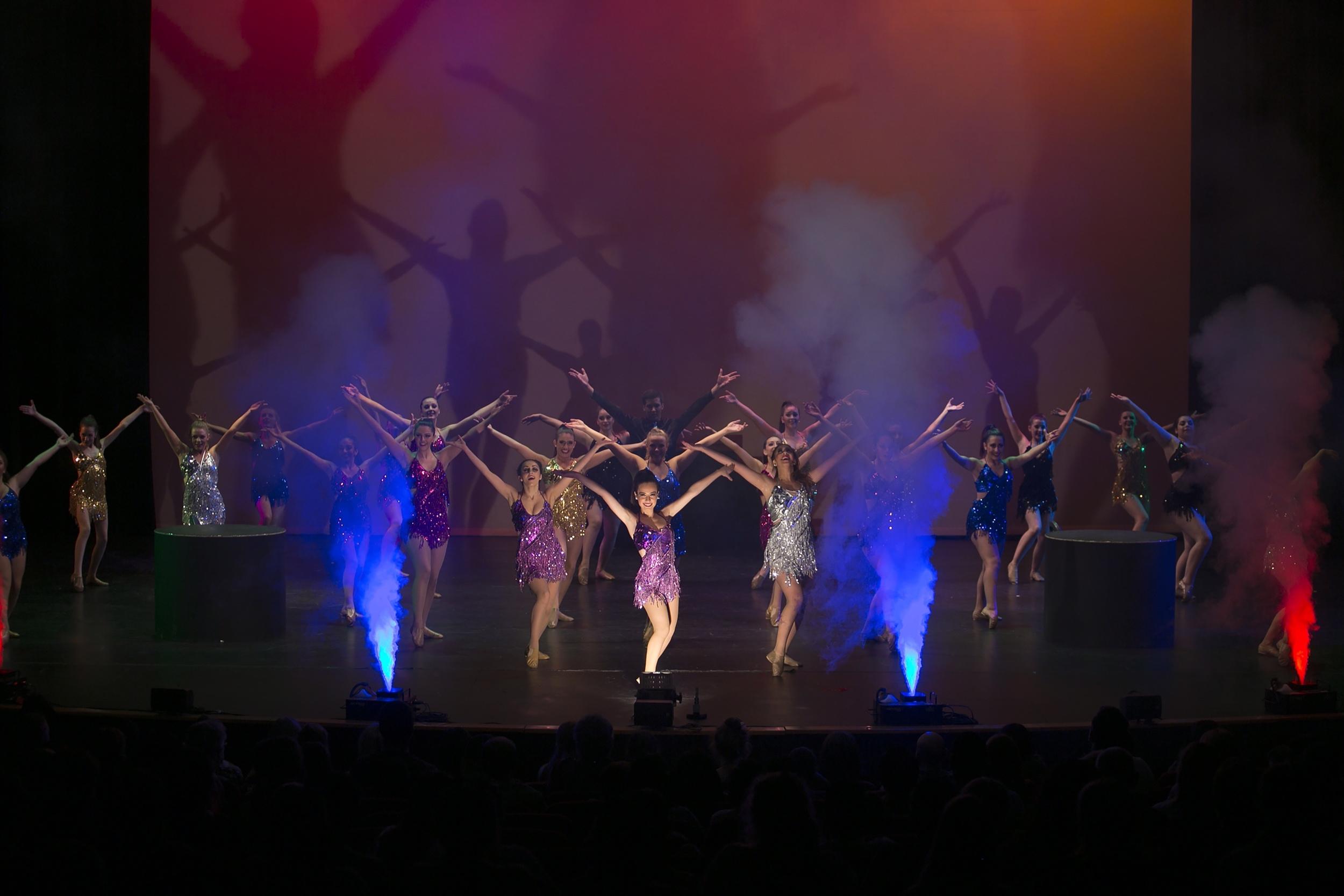 Geyser Smoke Jet on stage with Danceschool