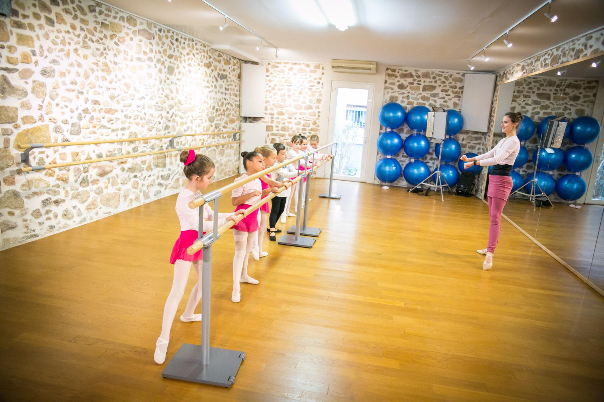 cours ecole danse classique la valette toulon enfant adulte pilates barre au sol eveil initiation debutant pas cher helivision.fr -10.jpg