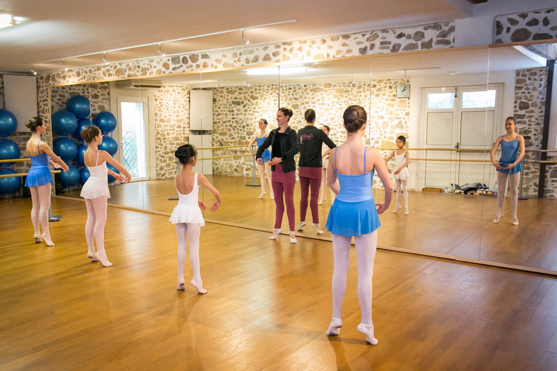 Camille Danse classique La Valette Toulon Barre au sol Pilates enfant adulte helivision.fr-3.jpg