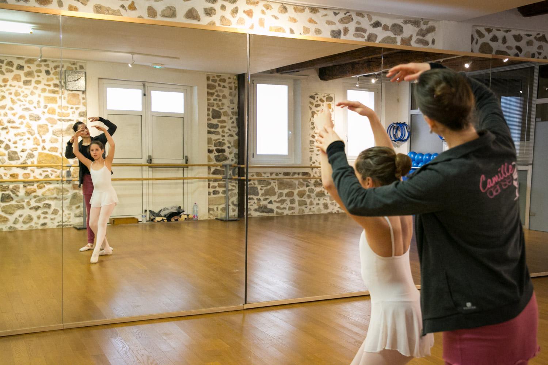 Camille Danse classique La Valette Toulon Barre au sol Pilates enfant adulte helivision.fr-7.jpg