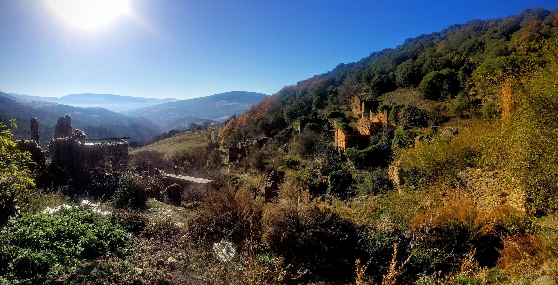 Excursión por Solanell hasta el pueblo abandonado Sendes o hasta el menhir