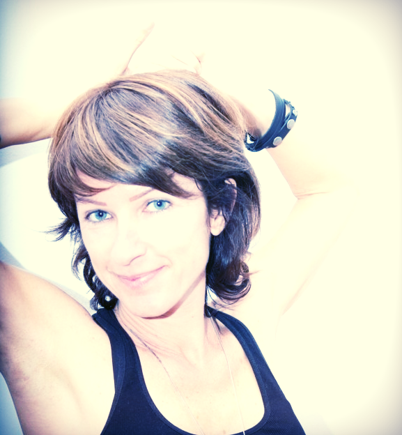 Cristiana Rinaldi:   Co-director and professor at  Yoga Effect Malaga , formed was at Tao Center - School of Natural Therapies (accredited by Yoga Alliance). Master's degree in Yoga (grade of senior teacher) in the yoga shala Marbella, institute the master Javier Castro