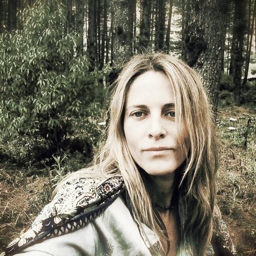 Diana Moret - HUMAN CENTRIC DESIGN & UX FACILITATOR
