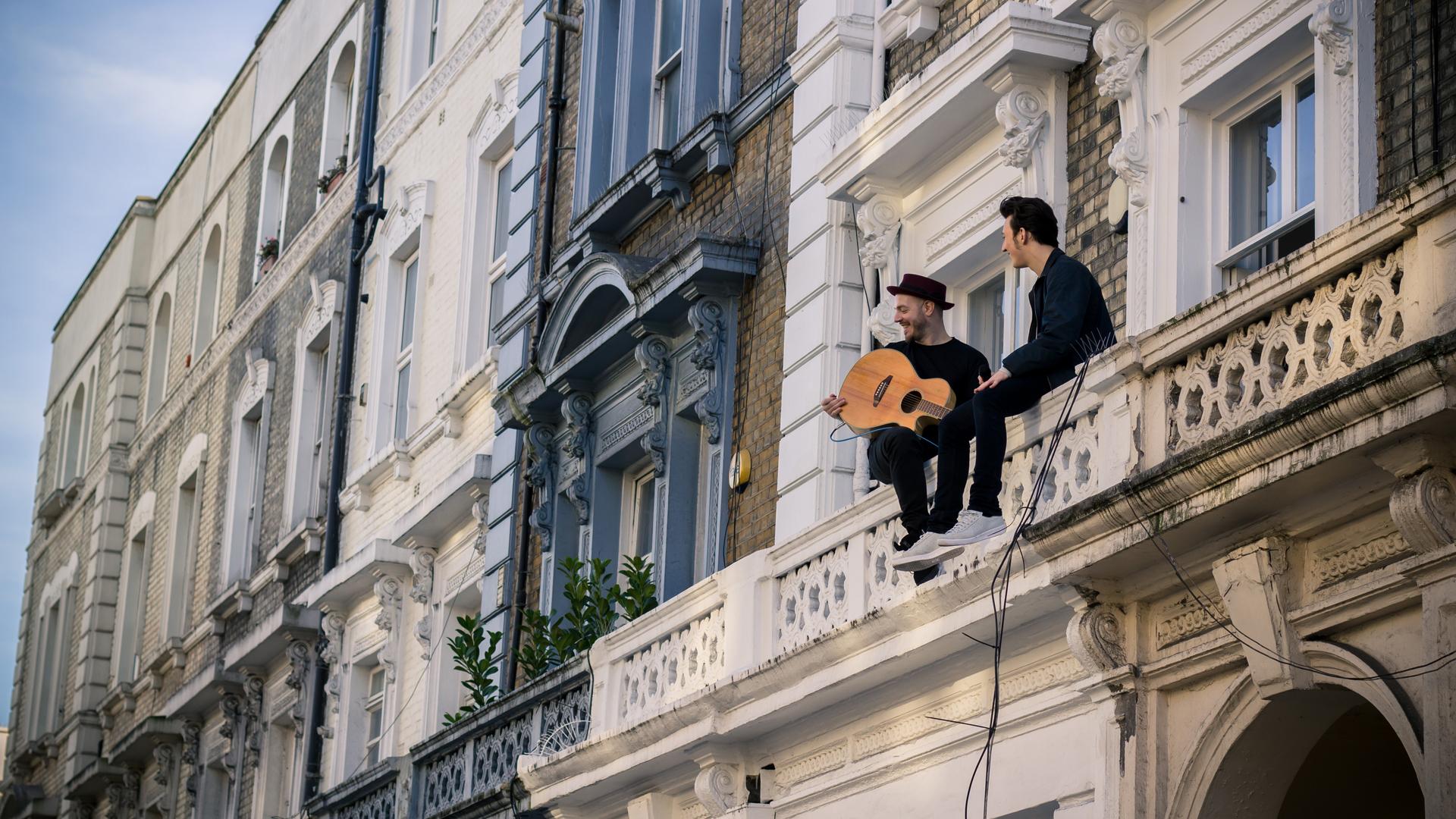 Zak Abel - Everybody Needs Love (balcony session)
