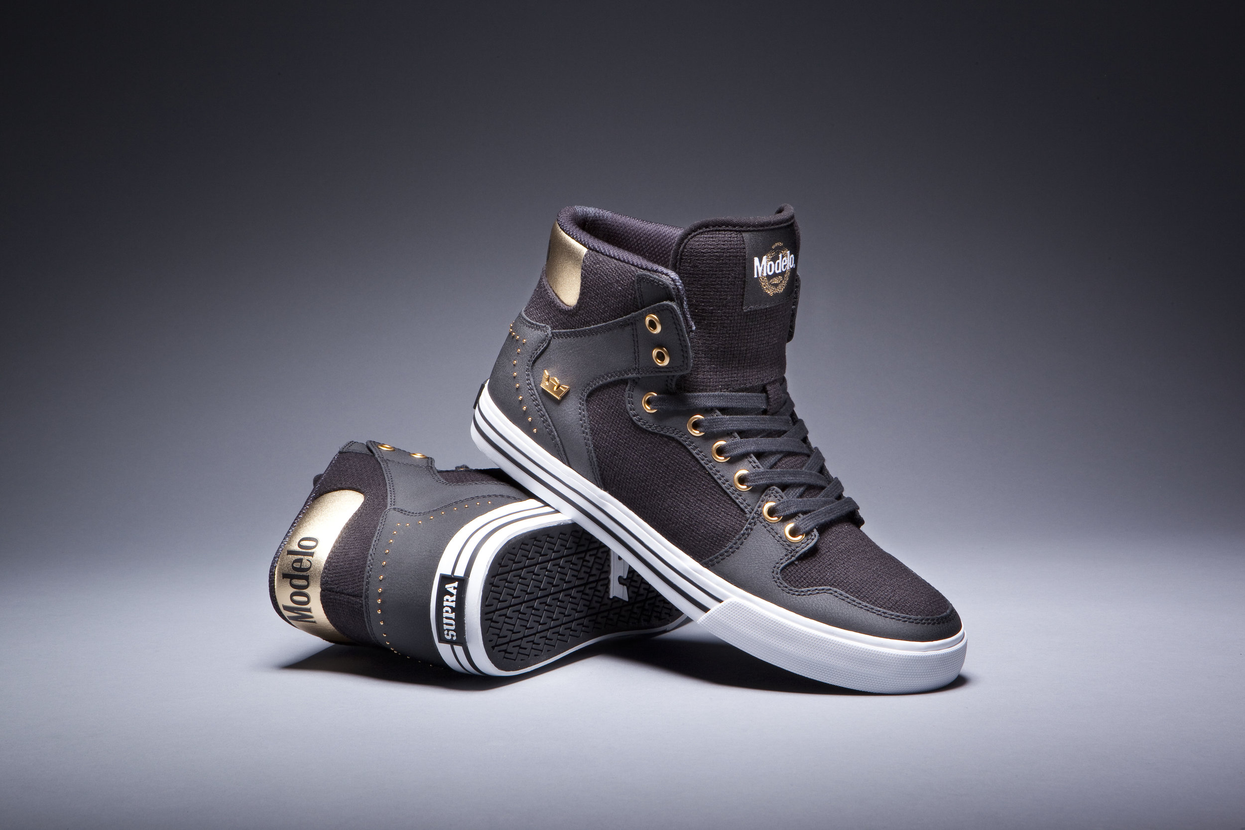 Modelo Supra Collaboration