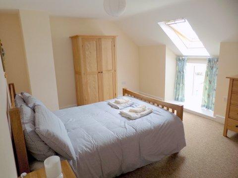 cobbles double bedroom.jpg