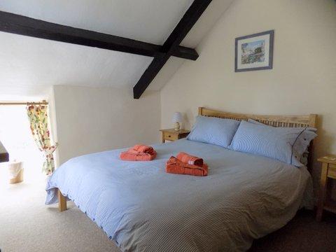Barn Cottage bedroom 2 June 2017.jpg