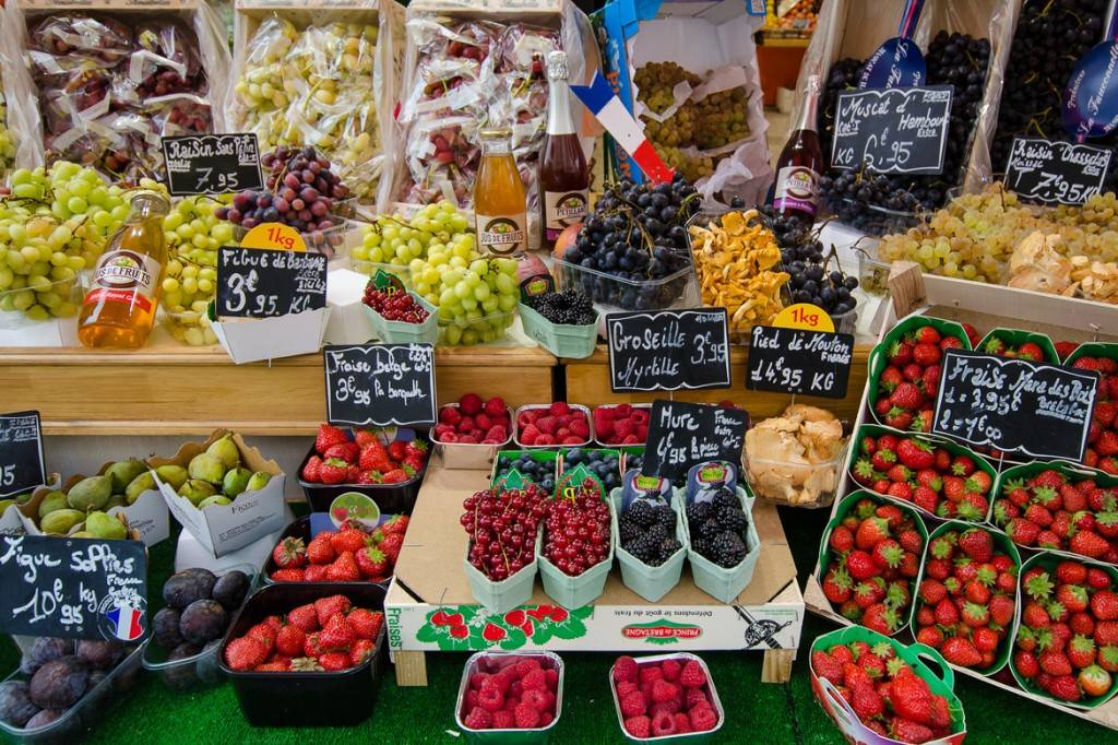 Fresh-fruit-French-outdoor-market-stalls-berries-grapes-plums-1024x682.jpg