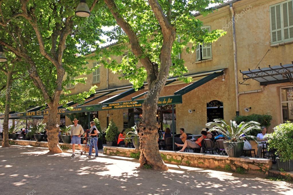 depositphotos_53848525-stock-photo-saint-paul-de-vence-provence.jpg