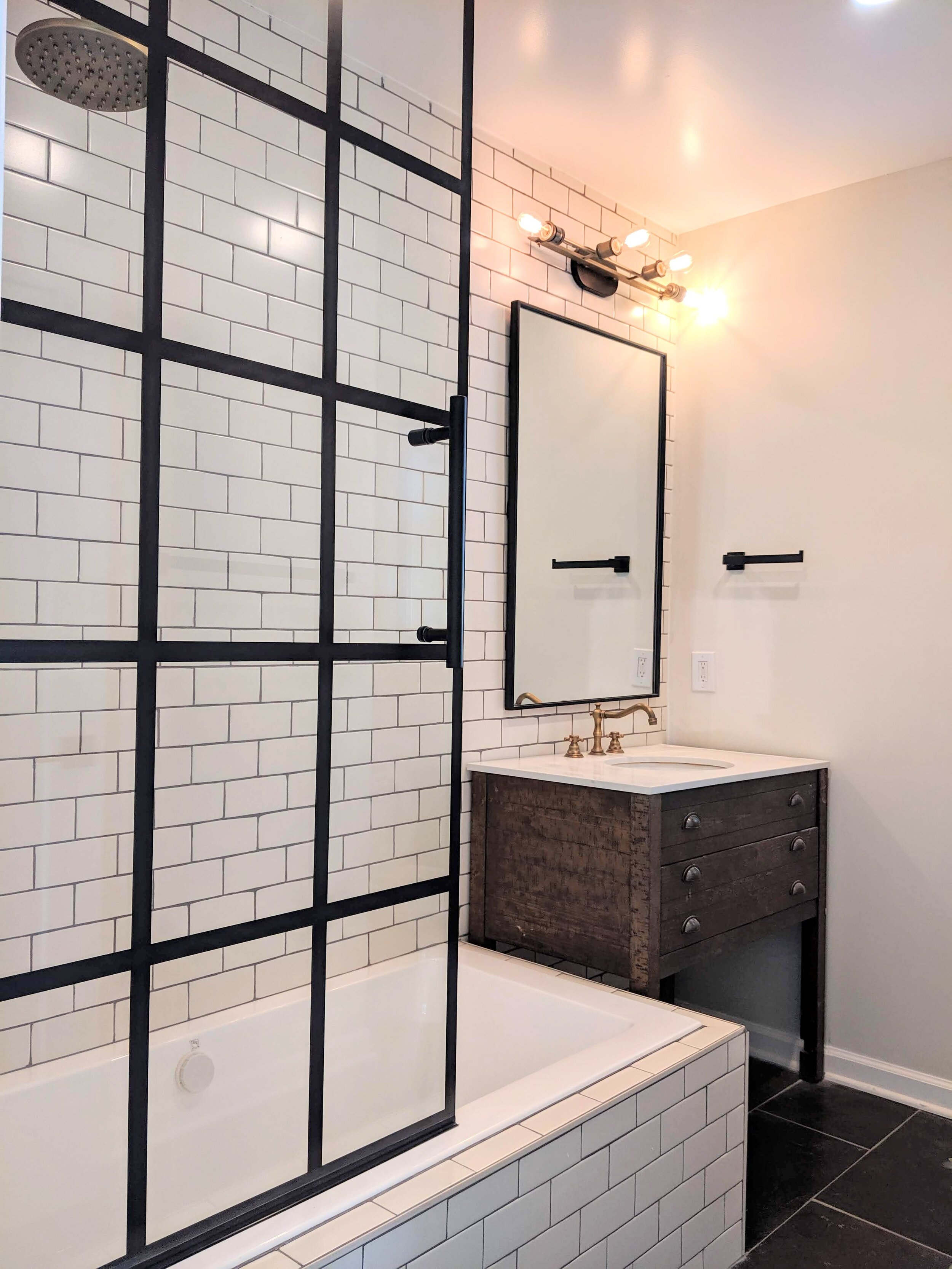 Anne Cutler Crest St Flip bathroom