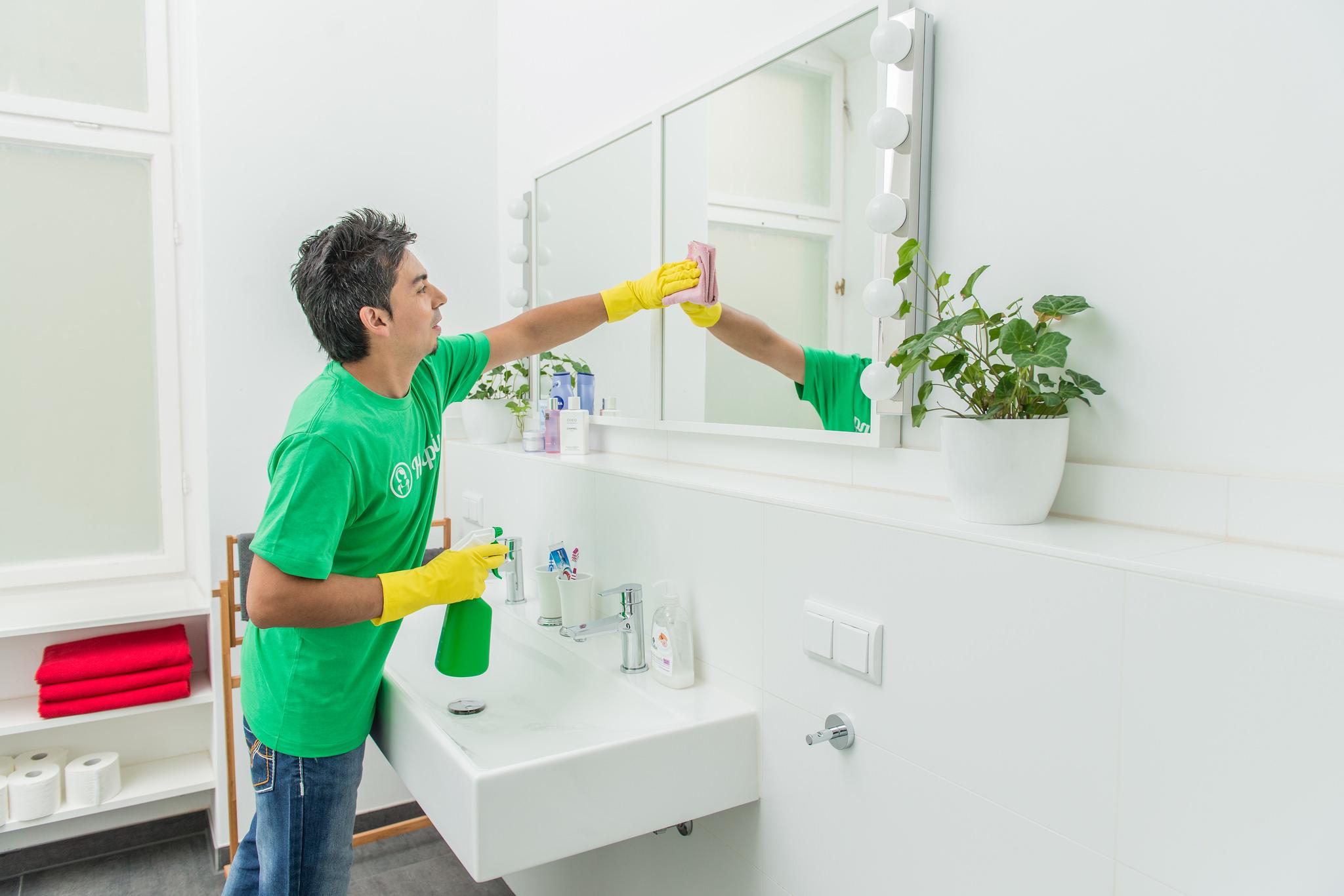 Con Helpling puedes escoger los tipos de servicio de limpieza que necesitas: por horas o metros cuadrados, y te aseguras de tener una casa (estudio, oficina, garaje)siempre limpia.