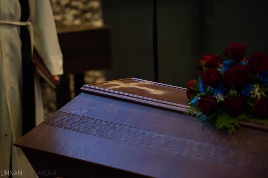 hautajaiset_valokuvaaja_oulu_9.jpg
