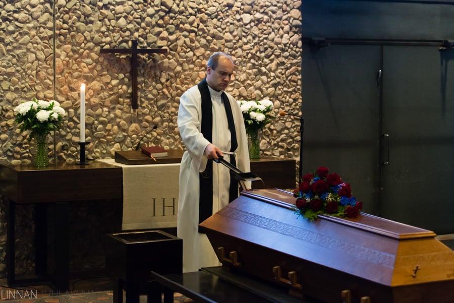 hautajaiset_valokuvaaja_oulu_8.jpg