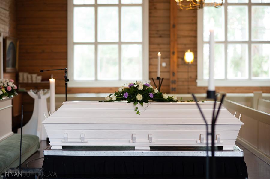 hautajaiskuvaus oulujoen kirkko 1.jpg