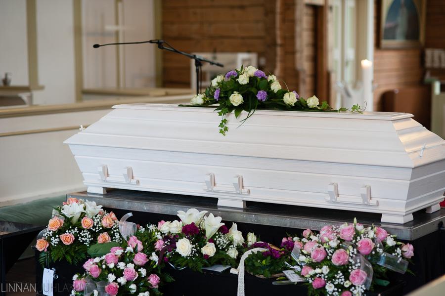 hautajaiskuvaus oulujoen kirkko 3.jpg