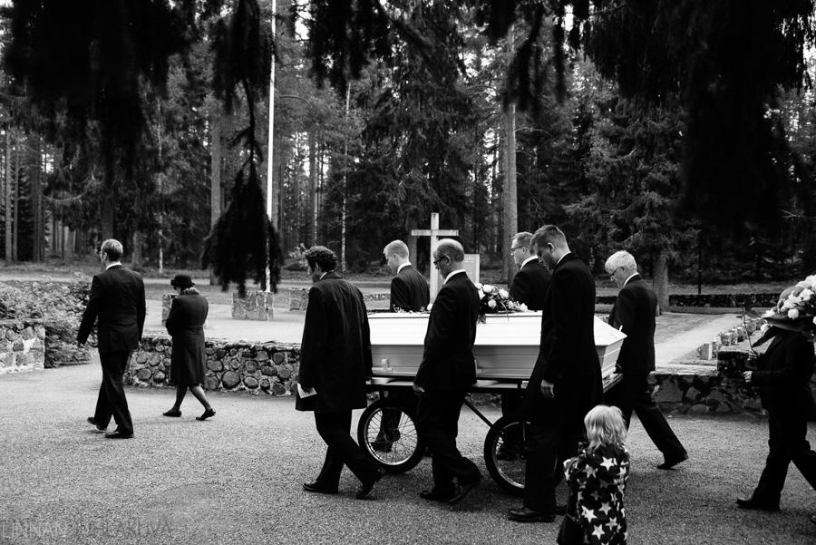 hautajaiskuvaus oulujoen kirkko 4.jpg