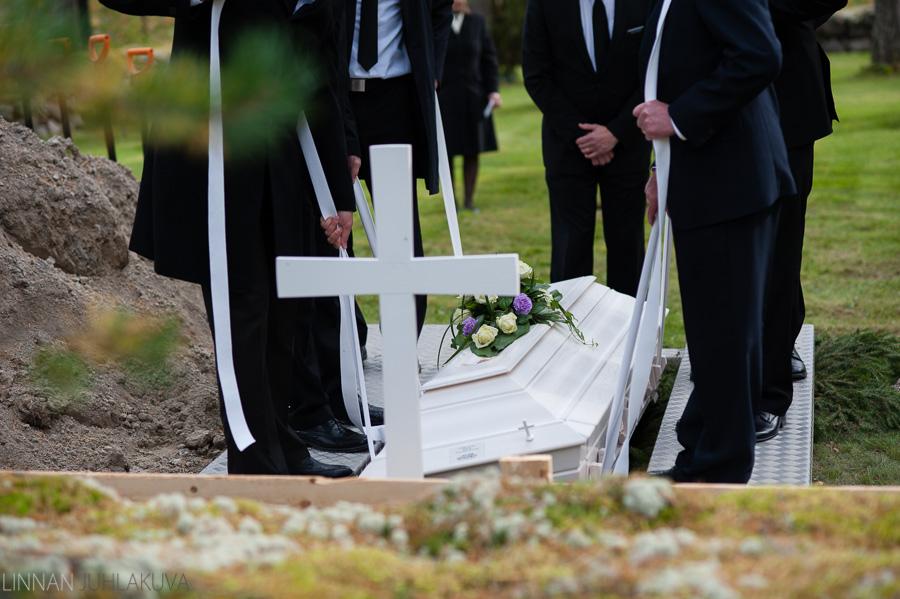hautajaiskuvaus oulujoen kirkko 7.jpg